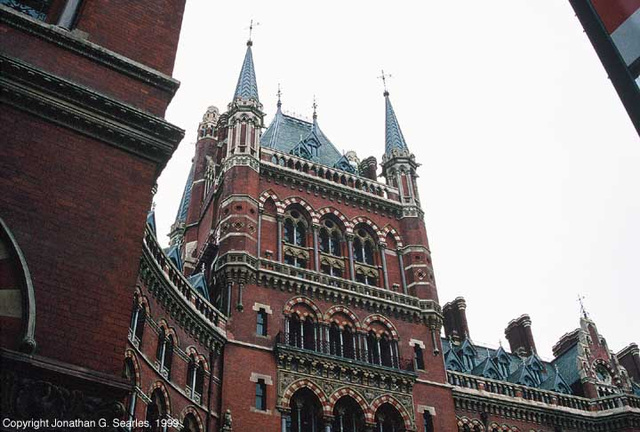 London St. Pancras Station and the Midland Hotel, Picture 2, London, England (UK), 1999