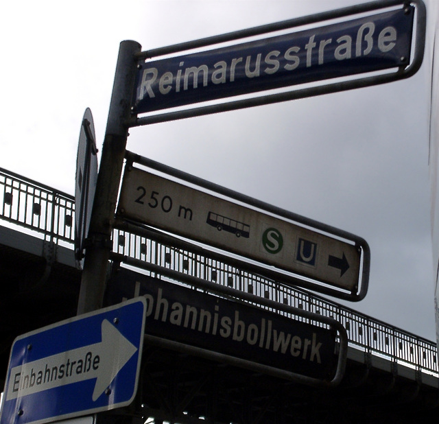 Reimarusstrasse, Johannisbollwerk, S-Bahn, Bus, U-Bahn, Einbahnstrasse