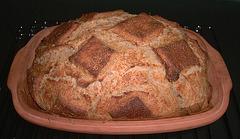 Honing-Tarwebrood uit romertopf 1