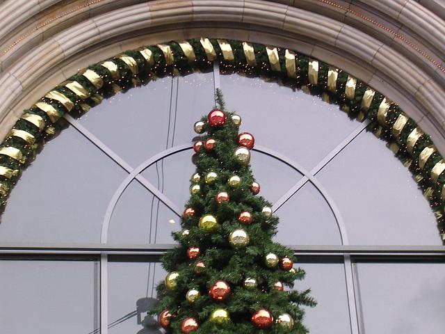 Hab schon mal 'nen Weihnachtsbaum besorgt, aber...