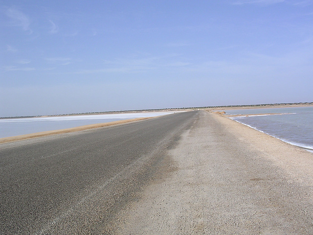Weg durch Salzseen
