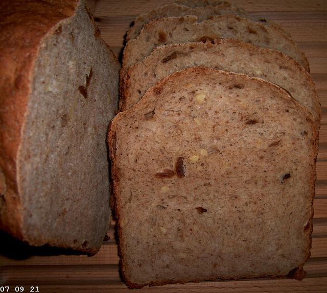 Hazelnoten-Vijgenbrood