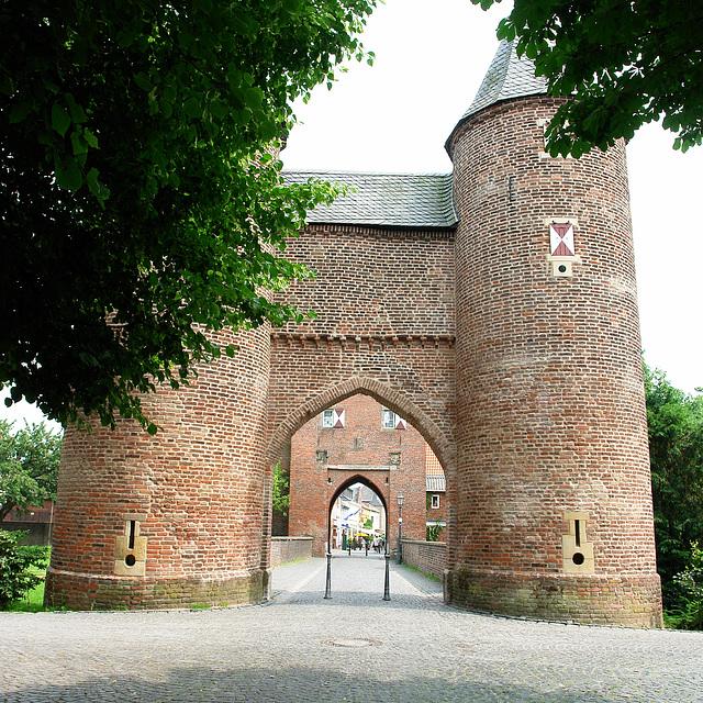 Xanten - Town Gate (Klever Tor)