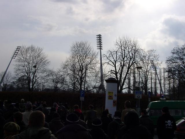 """Flutlichtmasten (""""Giraffen"""") im Dresdner Stadion"""