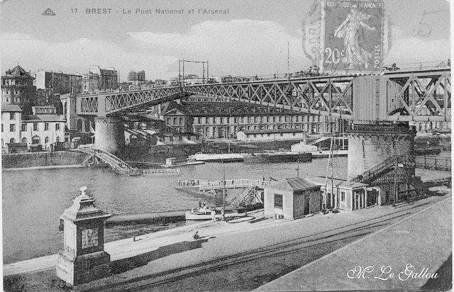 Brest Le pont National et l'arsenal (noir)