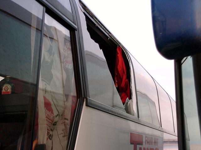 Aber eine Busscheibe haben die Dresdner Hools dann doch noch erwischt