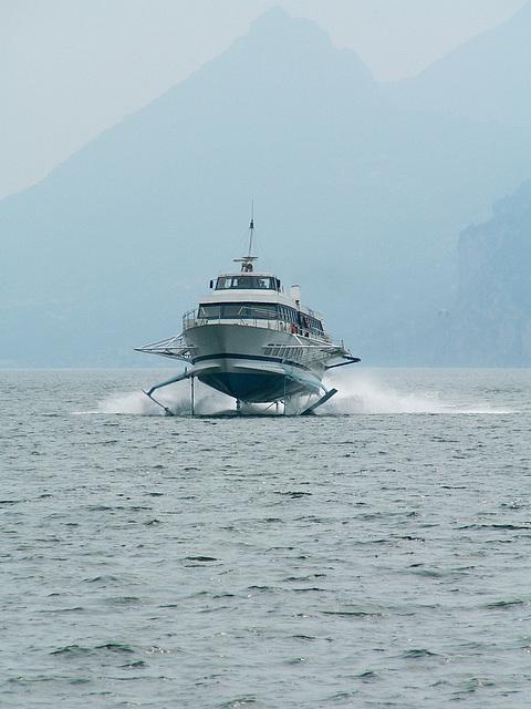 Tragflügelboot
