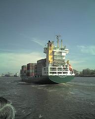 elbe, containership@hamburg / 070425 145415