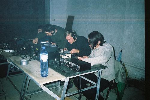Building transmissions live performance, HAL Antwerpen 2002 --- foto-11-2002-09