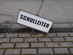 schulleiter-01200