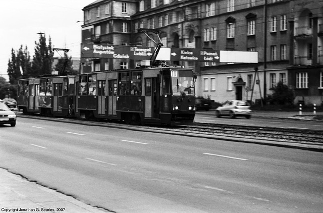 Trams At Nowowiejska and Chałubińskiego Intersection, Picture 3, Warsaw, Poland, 2007