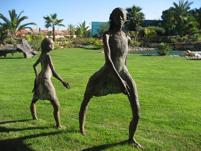 Algarve, Vila Sol Hotel, mother and daughter (sculpture)