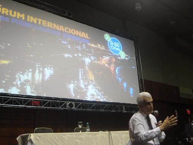 Laurindo Junqueira questiona qual o tipo de cidades em que nós queremos viver. Foto: Fabiano Faga Pacheco.