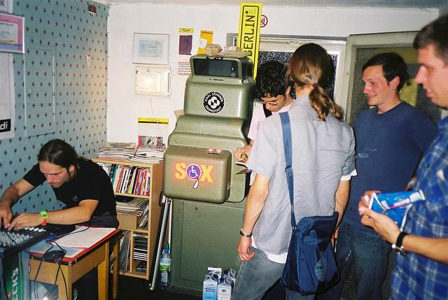 trudi-08-2001-07