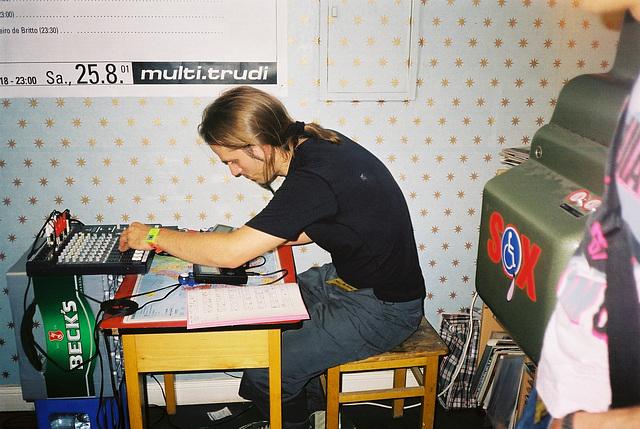 trudi-08-2001-04