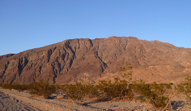 Along Badwater Road (3380)