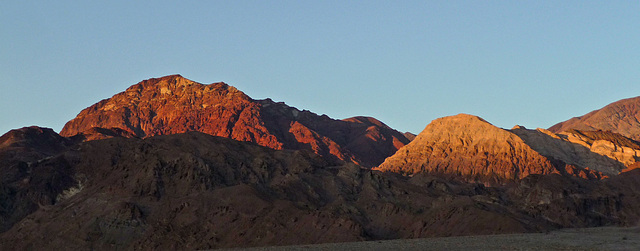 Along Badwater Road (3389)