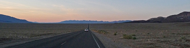 Along Badwater Road (3394)