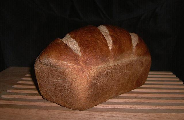 Volkorenbrood uit de vorm