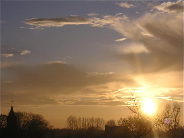 Sonnenuntergang über Dorf Wehlen