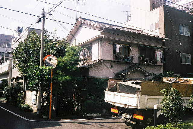 tokyo-10-2001-2-15
