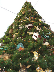 Giant Xmas tree -  Arbre de Noël géant !  Disneyworld - December 29th 2006.
