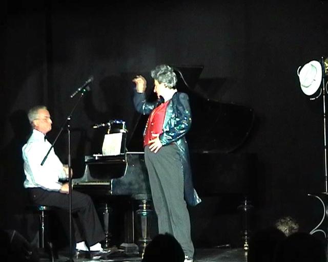 Stroganoff /am Klavier. Michael Jung