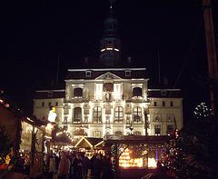 das Rathaus Lüneburg vom Marktplatz aus