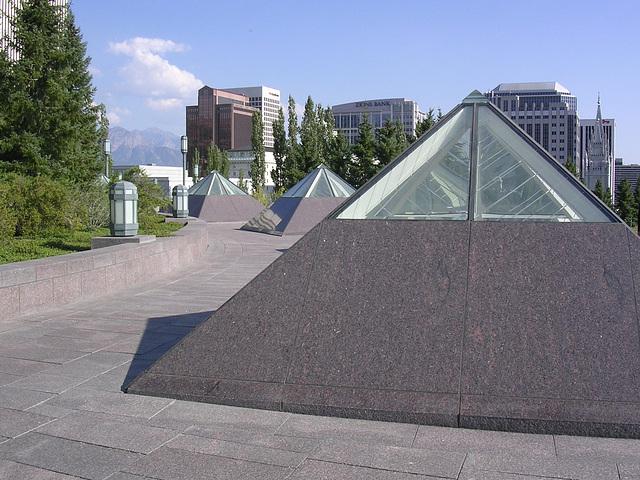 Pyramiden auf dem Dach