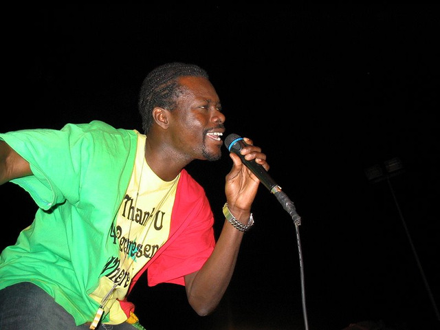 Chanteur Senegalais!