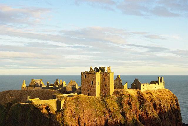 Dunottar Castle 03