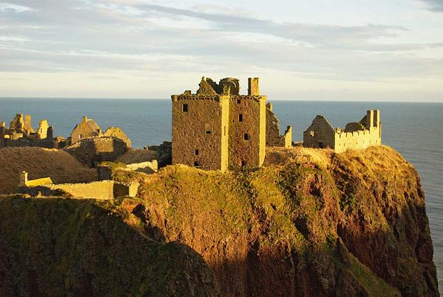 Dunottar Castle 02