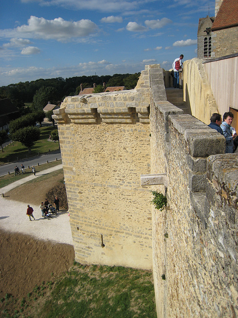 Chemin de ronde - Château de Blandy