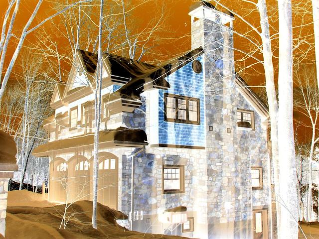 Maison luxueuse / Luxurious house.  St-Benoit-du-lac. Québec. CANADA. -  Effet négatif