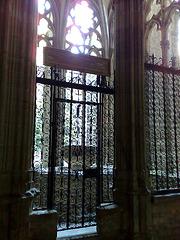 Catedral de Pamplona. Puerta al jardín del claustro.