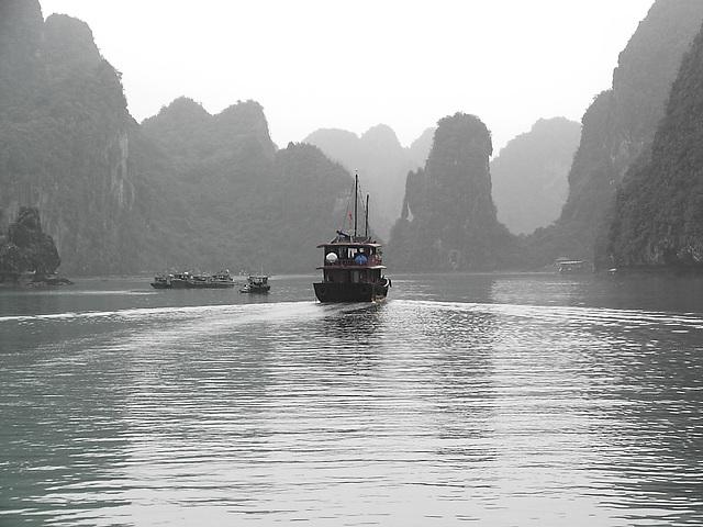 Photo DU VIETNAM  ( HA LONG )