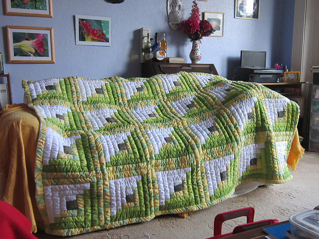 Yvonne's quilt is finished at last