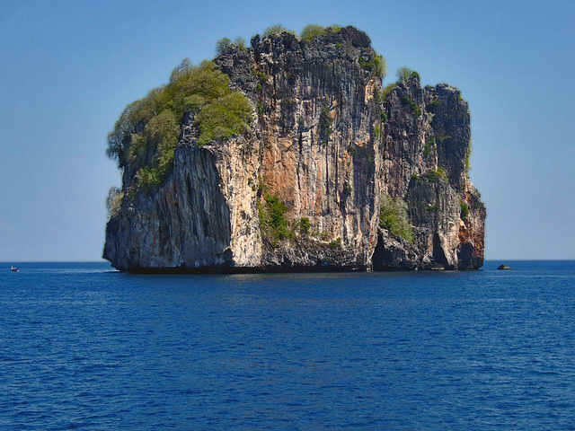 Pinnacle near Phi Phi Leh