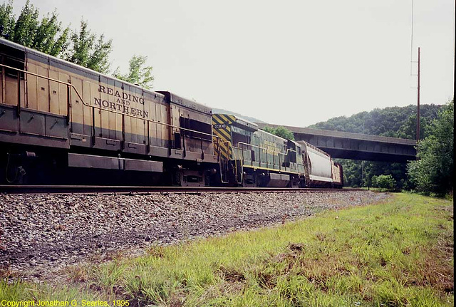 Reading & Northern #s2398 and 3300, West Leesport, PA, USA, 1995