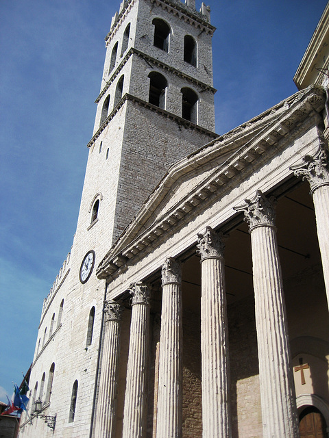 Assisi, the oldest roman building at the city