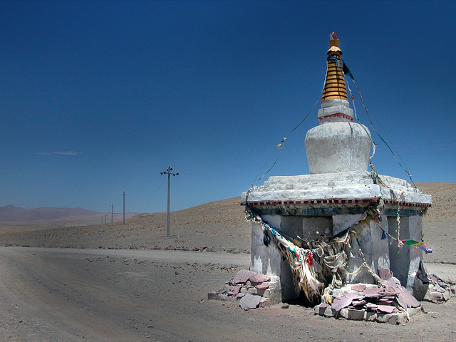 Chorten in the middle of the road