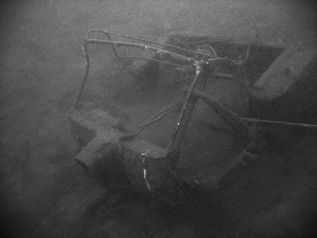 Unterwasserschrott III - Scrap underwater III