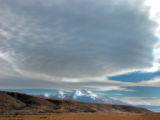 Nemo Nanyi (Gurla Mandhata) peak (7728 m) in Western Tibet
