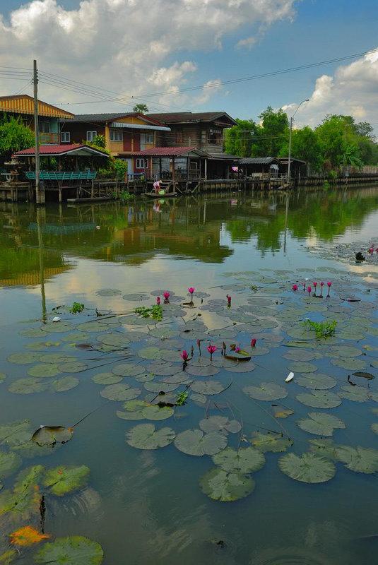 Khlong Saen Saeb in Min Buri