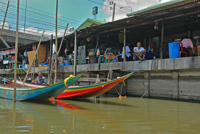 Pier at the market in Lat Krabang
