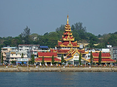 Kaw Thaung, port to check in to Burmese waters