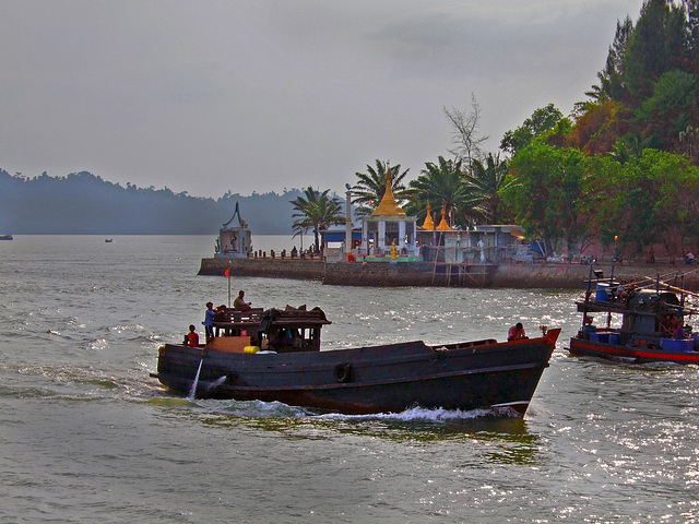Way into Kaw Thaung harbour