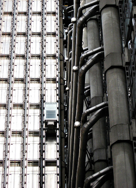 Lloyd's lift and pipes