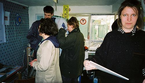 Nana Petzet in der Ausstellung im Kunstraum multi.trudi April 2001