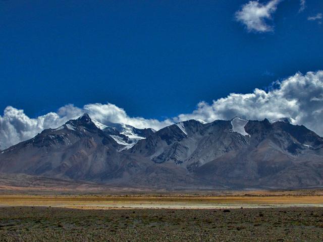 Mountain view from Nyalam Tibet